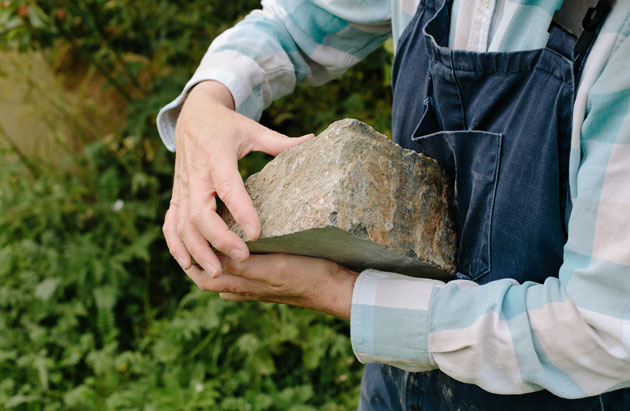 Selecting stone for carving