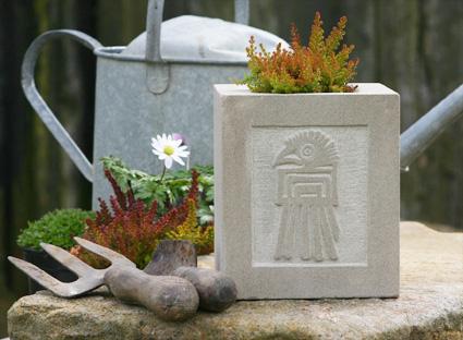 carved planter 425