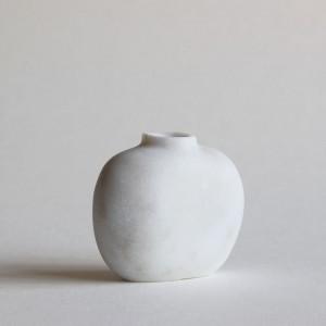 Pebble Vase (Carrara marble)