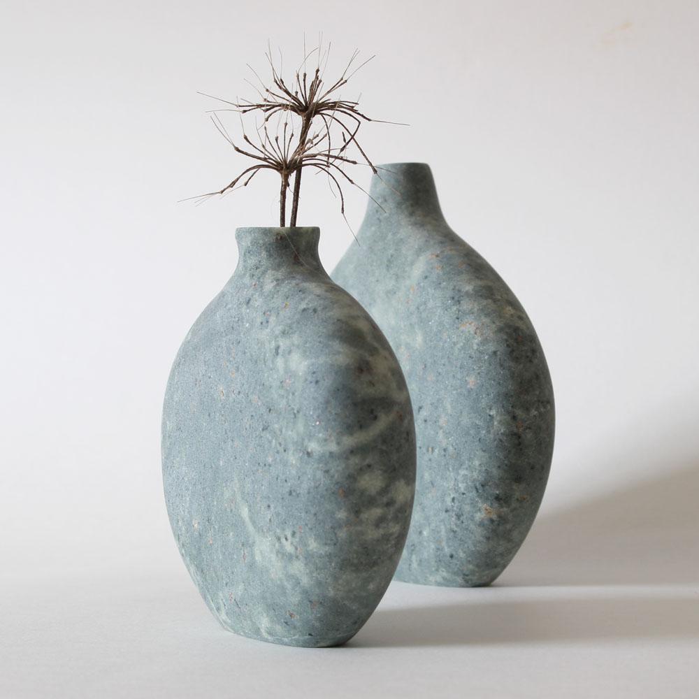 Pebble Vase in green serpentine