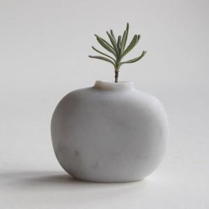 Pebble Vase - Carrara Marble