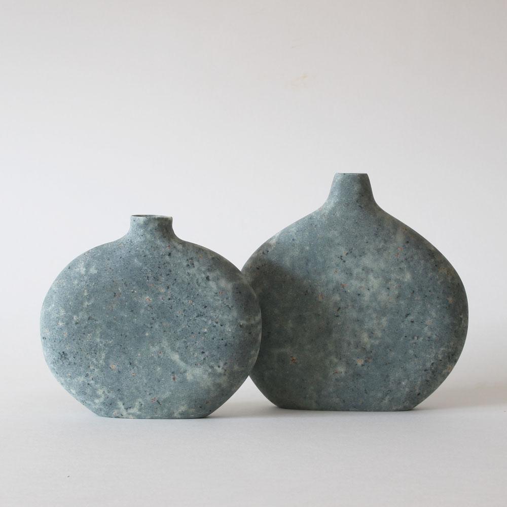 Pebble Vase serpentine stone