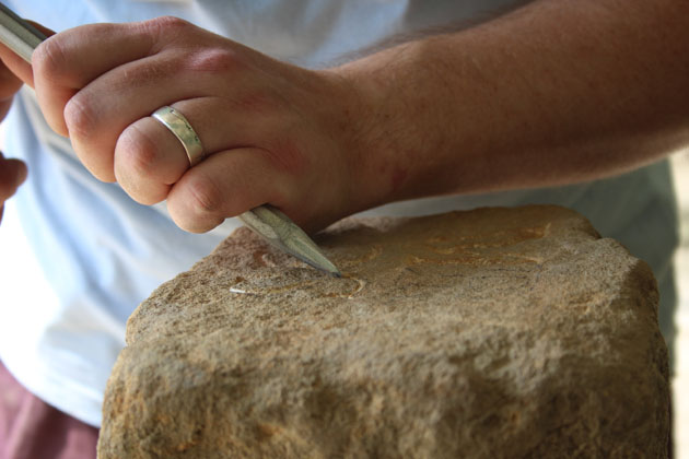 Lettercutting in stone
