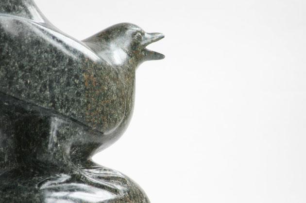 Magpie sculpture