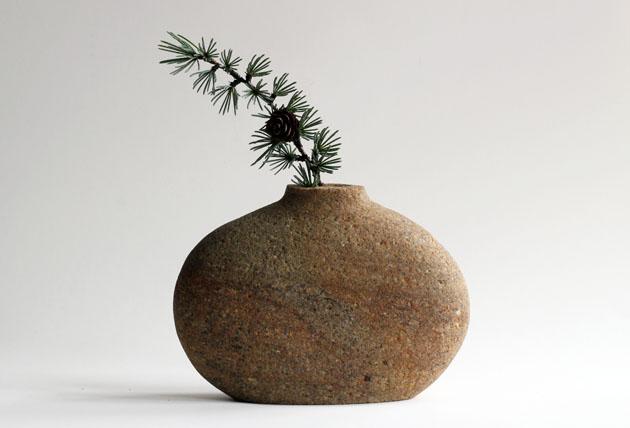 Stone vase with Christmas wishes