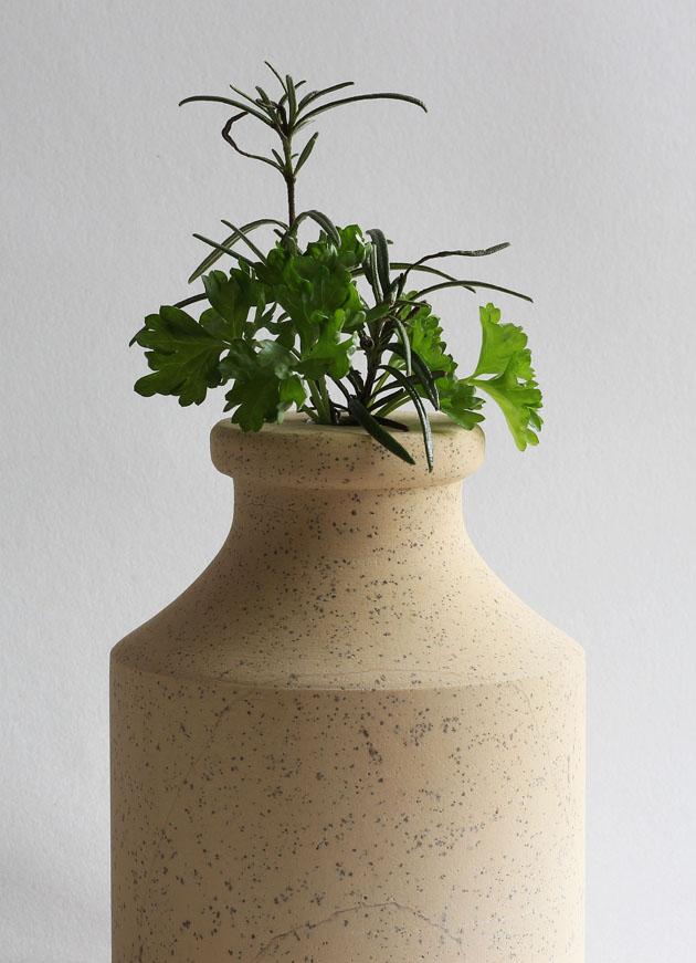 Stem vase in Cadeby stone