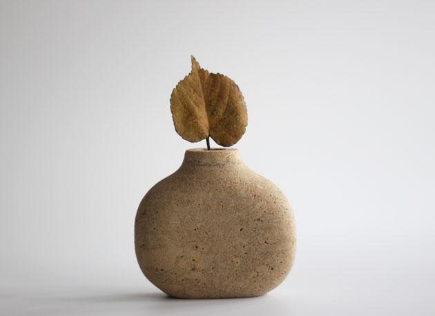 Stone pebble stem vase