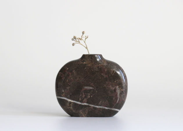 Eskett Red marble stem vase