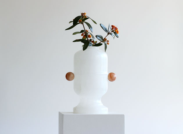 Peep Egg vase